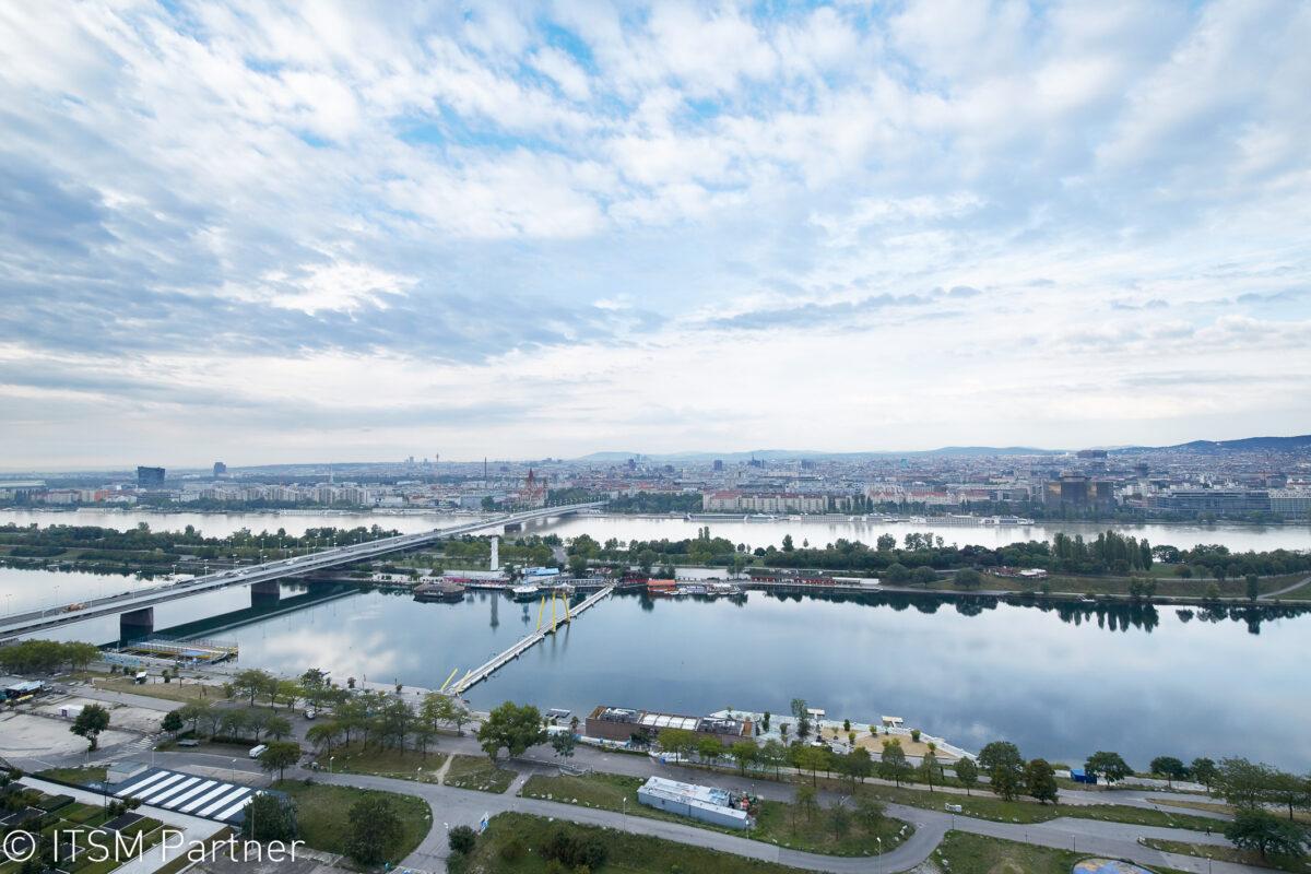 Aussicht über Wien von der Terrasse der Wolke 19 bei Service Space 2017