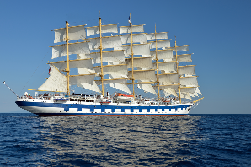 Bild eines 5mastigen Segelbootes als Sinnbild für Service Design bei ITSM Partner